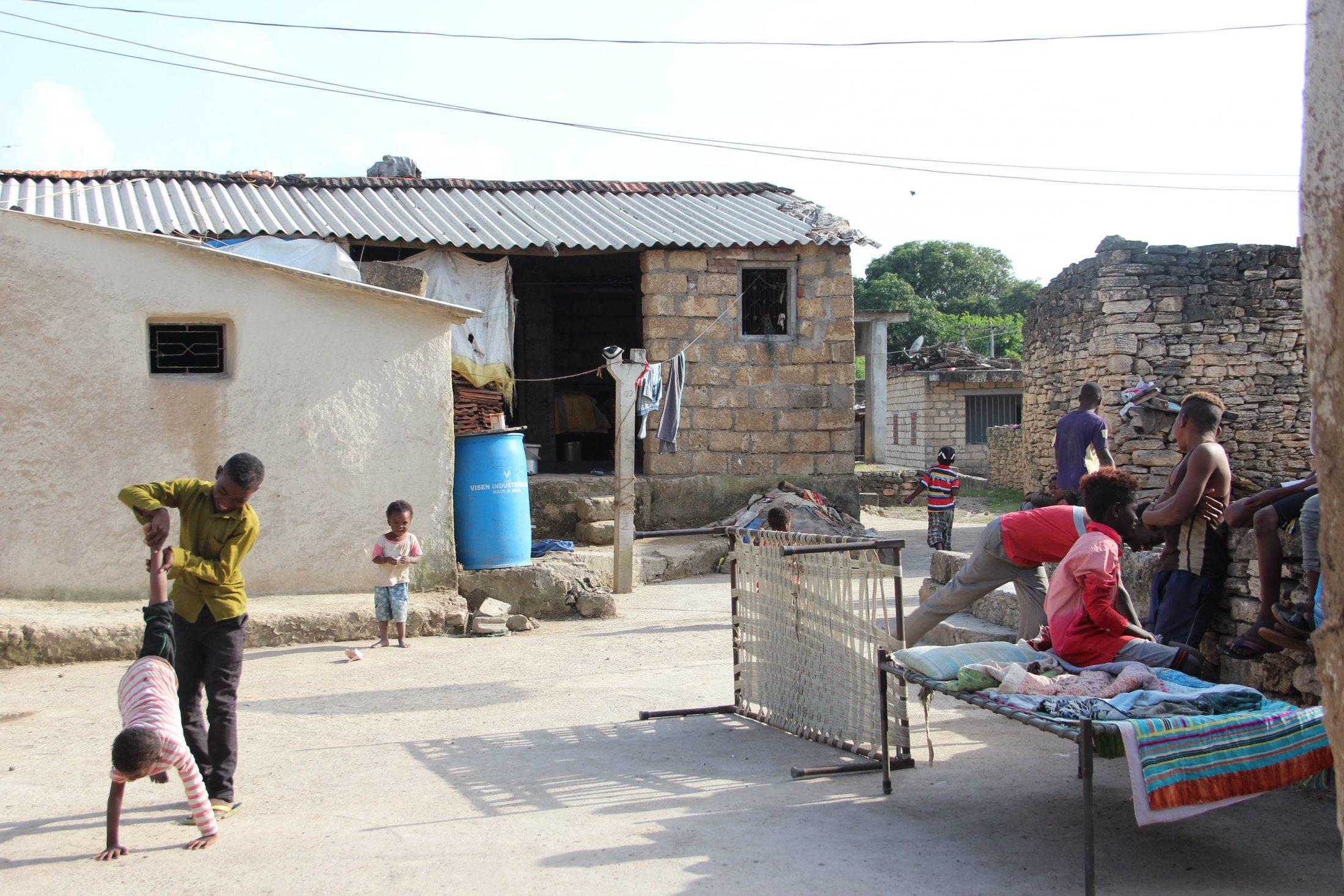 Sidi Village, Jambur