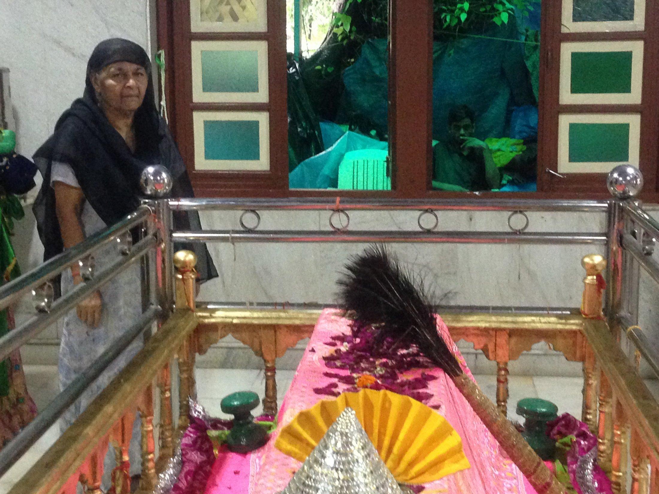 Caretaker of the Kamli Shah Shrine