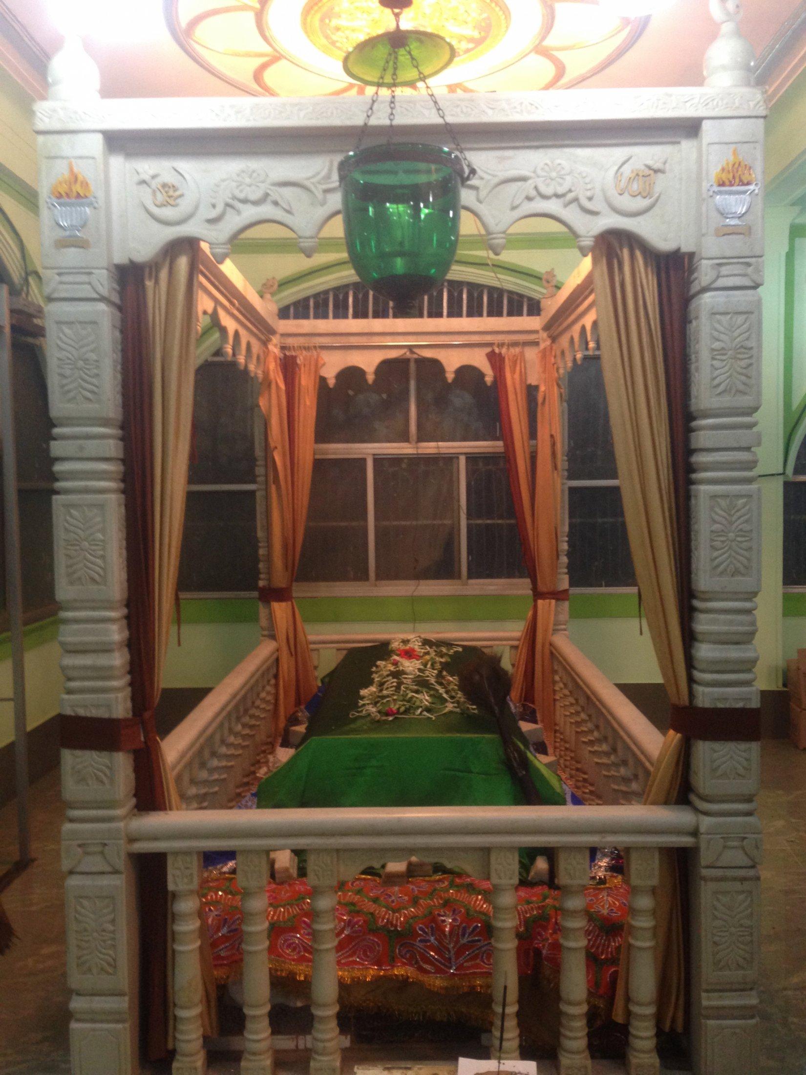Bava Gor Chilla, Mumbai