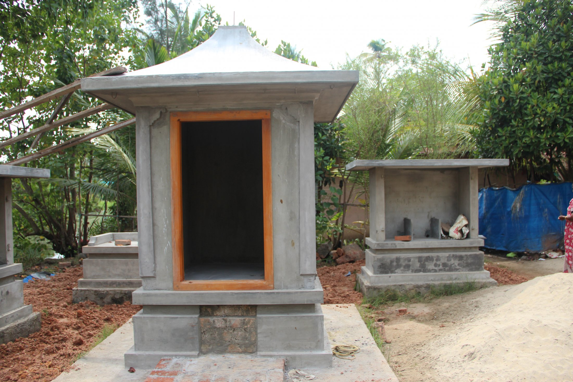 A New Sacred Grove, Vypin