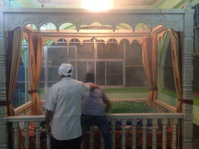 Evening Rituals at the Parsi Chilla for Bava Gor