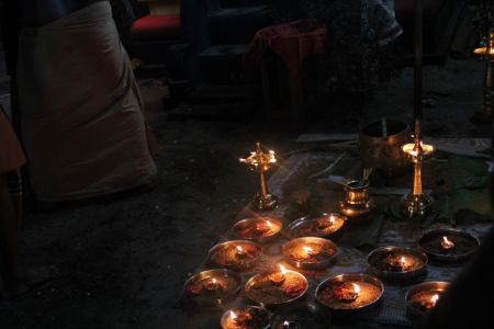 Offerings for the Deities, Vypin