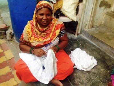 Sidi Tie-dye Craftswoman